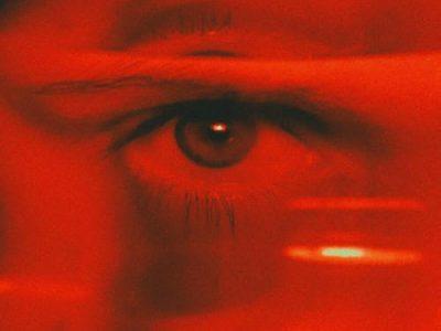 Kırmızıyı Benim Gördüğüm Gibi Mi Görüyorsun?