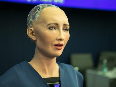 Kadın Robotlar Daha İnsansı Olarak Görülüyorlar. Neden?